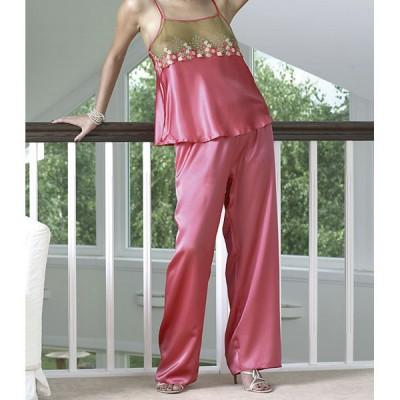 Pyjama grande taille en satin et dentelle florale Dkaren Daria