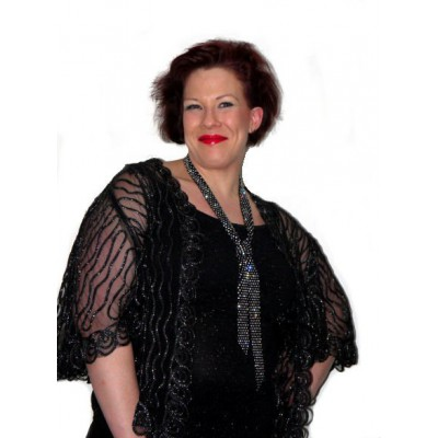 Veste Poncho noire en Tulle Brodé